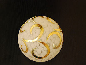 Декорирование плафона позолотой. Ярмарка Мастеров - ручная работа, handmade.