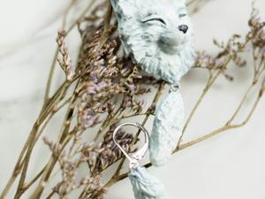 Белый лис. Серьги с лунным камнем. Ярмарка Мастеров - ручная работа, handmade.