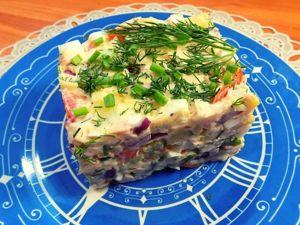 Салат с копченой куриной грудкой, сыром и яйцами. Ярмарка Мастеров - ручная работа, handmade.