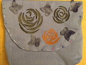 """Украшаем сумочку аппликацией из кожи """"Розы"""". Ярмарка Мастеров - ручная работа, handmade."""