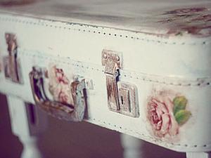 Столик из старого чемодана. Ярмарка Мастеров - ручная работа, handmade.