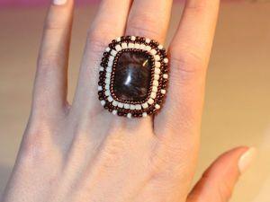 Создаем вышитое бисером кольцо с кабошоном на основе со шляпкой. Ярмарка Мастеров - ручная работа, handmade.