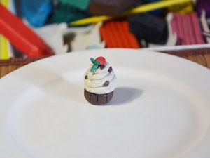 Лепим из пластилина кекс с ягодами. Ярмарка Мастеров - ручная работа, handmade.