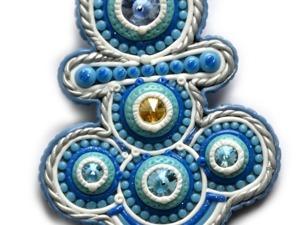 Брошь «Якорь» из ювелирных камней Swarovski и полимерной глины. Ярмарка Мастеров - ручная работа, handmade.