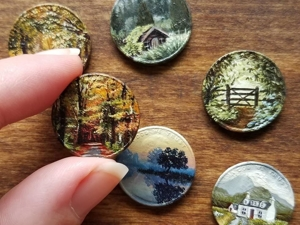 Миниатюрный холст прямо из кармана! Крохотная живопись на монетках американки Брианны Мари. Ярмарка Мастеров - ручная работа, handmade.
