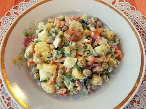 Картофельный салат с яйцом и маринованными грибами. Ярмарка Мастеров - ручная работа, handmade.
