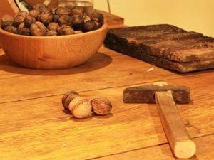 Как сделать масло из грецких орехов для смазки деревянных изделий. Ярмарка Мастеров - ручная работа, handmade.