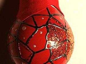 Ёлочное украшение «Красный шар»из лампочки. Ярмарка Мастеров - ручная работа, handmade.