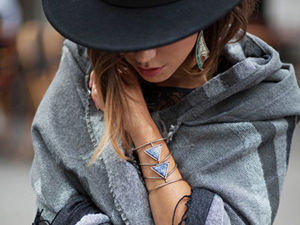 The Simplicity and Charm of Paris Street Fashion by Blogger Zoe Alalouch. Livemaster - handmade
