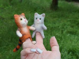 Кошка с котенком — мягкие пальчиковые игрушки. Ярмарка Мастеров - ручная работа, handmade.