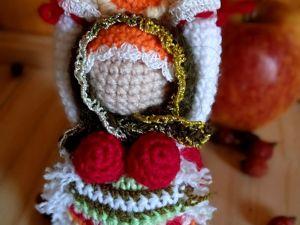 Мастерим народную куколку Масленицу крючком из остатков пряжи. Ярмарка Мастеров - ручная работа, handmade.