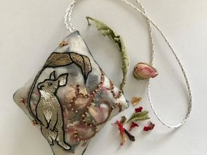 Embroidered Bag Pendants by May Lilyq from Japan. Livemaster - handmade