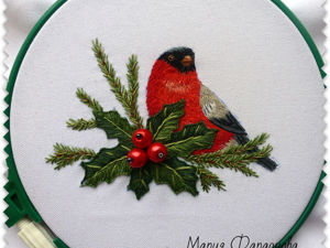"Christmas 'Bullfinch and Holly"" Embroidery in Satin Stitch, Part 2. Livemaster - handmade"