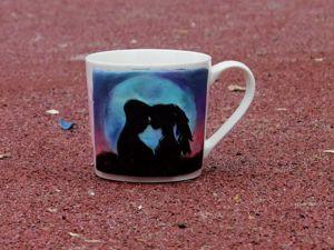 Подарок на 14 февраля  «Влюбленные» / Декор кружки полимерной глиной. Ярмарка Мастеров - ручная работа, handmade.