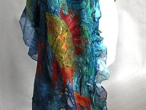 Валяем палантин «Брачный танец витражных рыб». Ярмарка Мастеров - ручная работа, handmade.