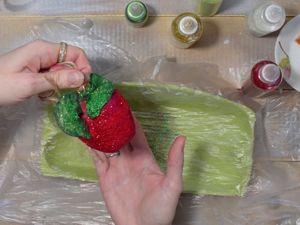 Покраска ватного яблока акварелью. Ярмарка Мастеров - ручная работа, handmade.
