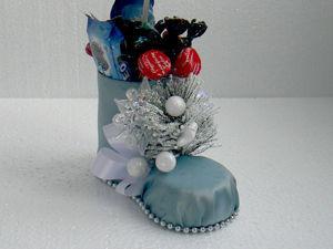 Новогодний декор: ёлочка в сапожке из пластиковой бутылки. Ярмарка Мастеров - ручная работа, handmade.