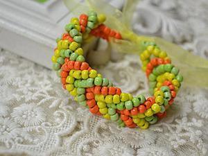 Плетем яркий браслет из разноцветного бисера. Ярмарка Мастеров - ручная работа, handmade.