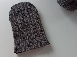 Модная мужская шапка — резинкой четко по голове. Ярмарка Мастеров - ручная работа, handmade.