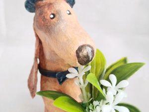 Интерьерная кукла: Собака с цветами  «Поздравляю милых дам». Ярмарка Мастеров - ручная работа, handmade.