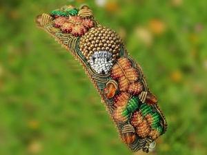 Арт-браслет «Осенний сюжет» в технике объемной вышивки. Ярмарка Мастеров - ручная работа, handmade.