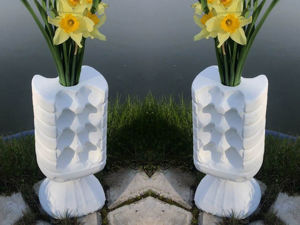 Идеи для сада: ваза из цемента! Переработаем пластиковую бутылку и лоток для яиц!. Ярмарка Мастеров - ручная работа, handmade.