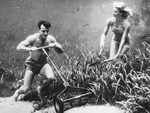 Роскошная жизнь под водой: эти красивые мужчины и женщины играют в гольф, пьют коктейли и жарят барбекю на дне озера. Уникальная фотосъемка 1938 года. Ярмарка Мастеров - ручная работа, handmade.