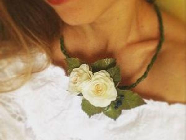 Конкурс с подарком - Колье с розами из фоамирана от магазина Mosha_flower | Ярмарка Мастеров - ручная работа, handmade