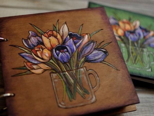 Создаем блокнот из дерева с пирографией и росписью «Крокусы» | Ярмарка Мастеров - ручная работа, handmade