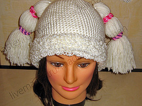 Новая веселая шапочка с хвостиками для зимы.   Ярмарка Мастеров - ручная работа, handmade