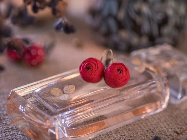 Making Evening Earrings ''Crimson