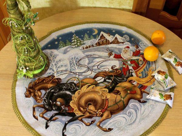 Есть ли скатерка с Дедом Морозом? | Ярмарка Мастеров - ручная работа, handmade