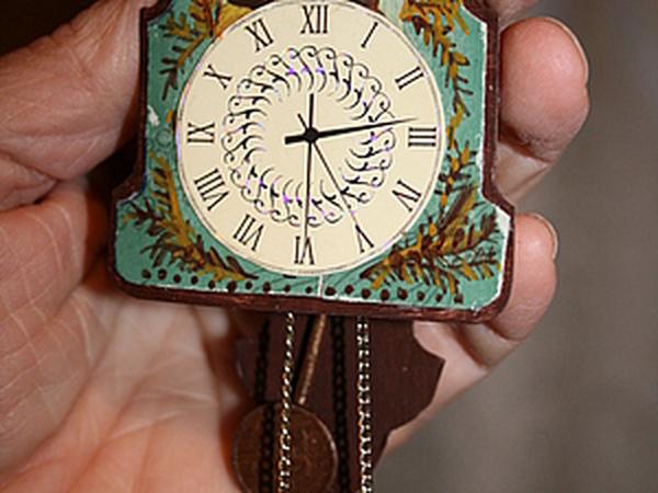 Часы-ходики из спичечного коробка в кукольный дом | Ярмарка Мастеров - ручная работа, handmade