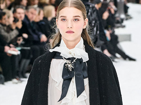 Show Must Go On: Last Collection by Karl Lagerfeld in Paris | Livemaster - handmade