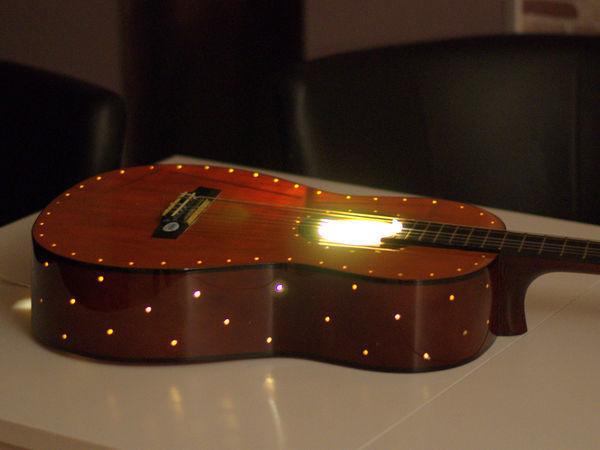Уютный ночник из старой гитары — просто, быстро и очень красиво!   Ярмарка Мастеров - ручная работа, handmade