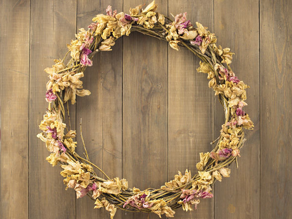 Making Wreath from Branches and Dried Flowers | Livemaster - handmade