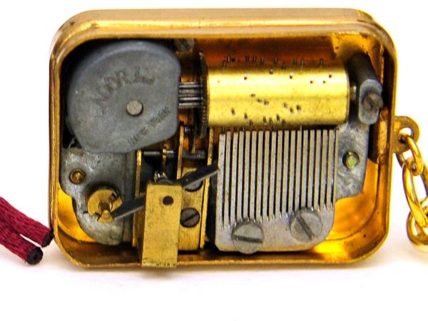Что Подарила Мария Яну в далёком 1957 году? Музыкальный Швейцарский Брелок с Миниатюрным Механизмом | Ярмарка Мастеров - ручная работа, handmade
