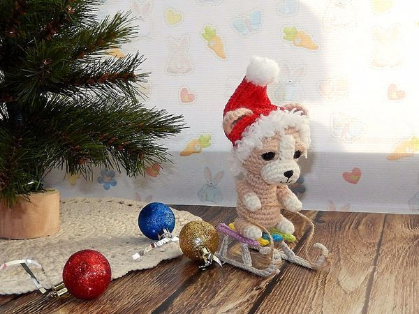 Вяжем крючком очаровательную собачку на санках   Ярмарка Мастеров - ручная работа, handmade