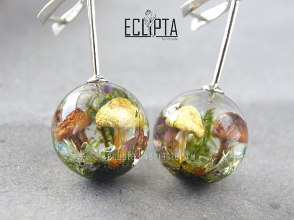 ВИДЕО. Серебро 925. Серьги-шарики 18 мм с грибами из смолы | Ярмарка Мастеров - ручная работа, handmade