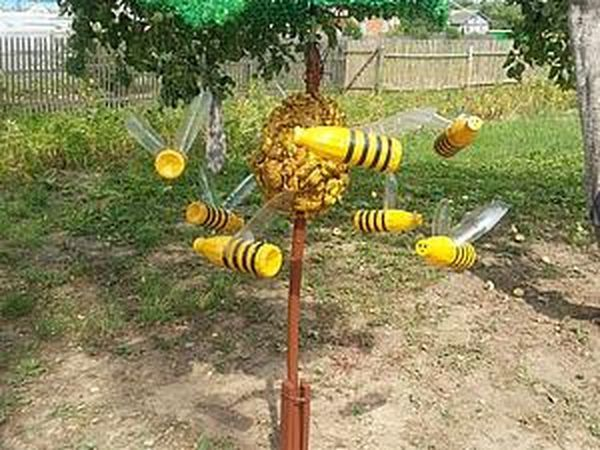 Make Funny Bees out of Plastic Bottles with Your Own Hands | Livemaster - handmade
