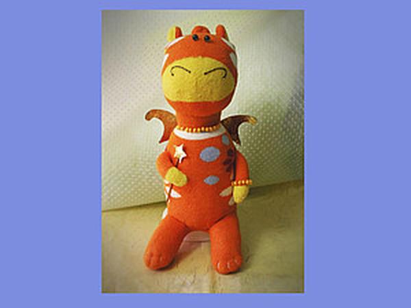Новогодний Дракончик из пары носков   Ярмарка Мастеров - ручная работа, handmade