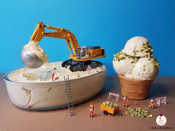Кондитер-Гулливер эксплуатирует лилипутов? Как игрушечные человечки помогают Matteo Stucchi выпекать сладости | Ярмарка Мастеров - ручная работа, handmade