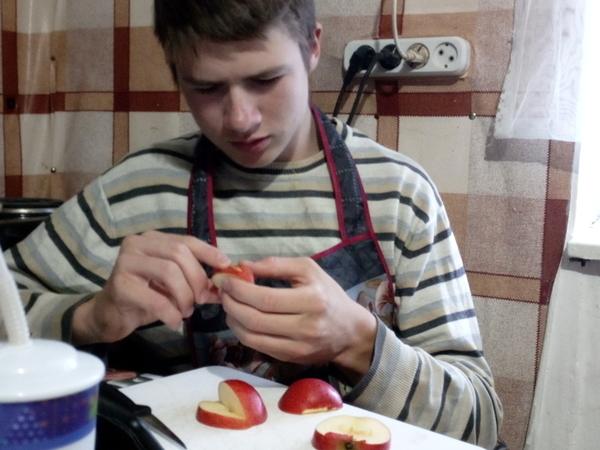 Наш Пётр делает цветы из овощей и фруктов) | Ярмарка Мастеров - ручная работа, handmade