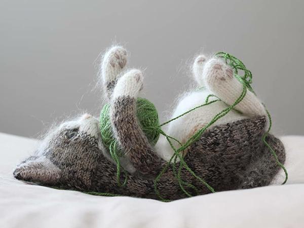 Самые милые котики из всех милых котиков: эти вязаные лапки и круглые животики пощекочат твое сердечко | Ярмарка Мастеров - ручная работа, handmade