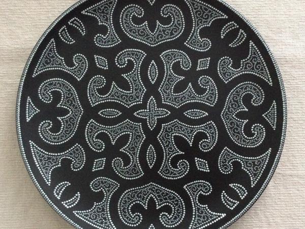 Точечная роспись на керамической поверхности. Декоративная тарелка. | Ярмарка Мастеров - ручная работа, handmade