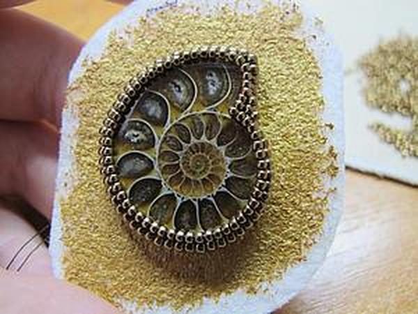 Вышиваем бисерную оправу для аммонита   Ярмарка Мастеров - ручная работа, handmade
