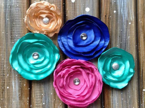 How to Assemble Decorative Fabric Flowers | Livemaster - handmade