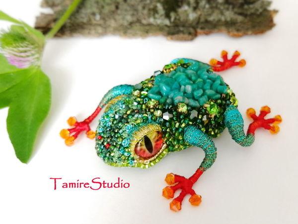 Брошь из бисера «Тропический Лягушонок» | Ярмарка Мастеров - ручная работа, handmade