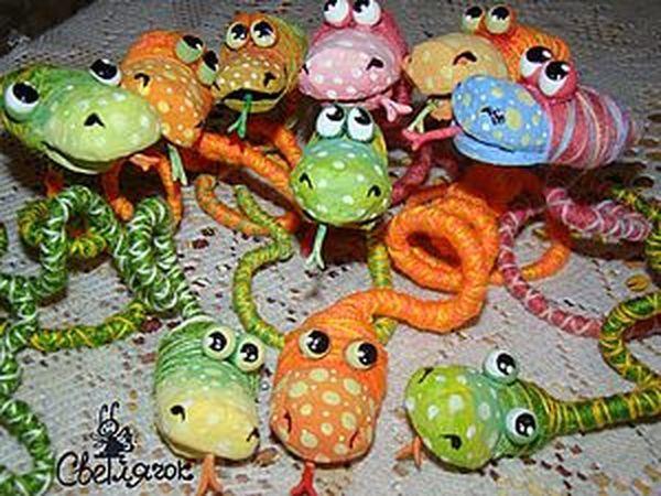 Симпатичные змеюшечки своими руками   Ярмарка Мастеров - ручная работа, handmade