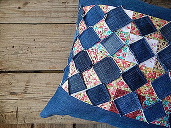Подушка из джинсов   Ярмарка Мастеров - ручная работа, handmade